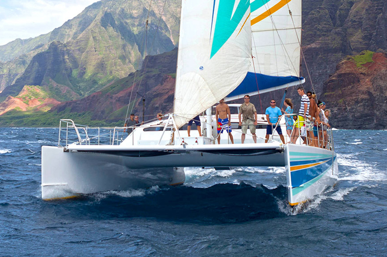 Sailing the Na Pali Coast