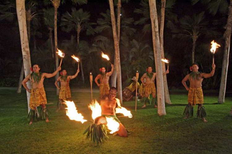 You can expect an amazing fire spinning show
